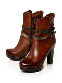 Biannca v high casual short boots