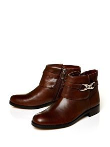 Moda in Pelle Adriah riding style ankle boots