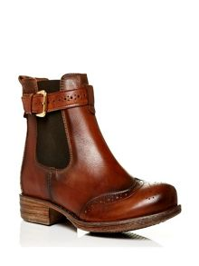 Calisee low casual short boots
