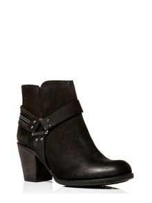Moda in Pelle Bria medium casual short boots