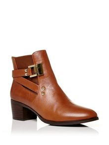 Moda in Pelle Adelita medium smart short boots