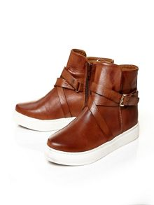 Arico low casual shoes