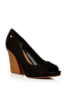 Moda in Pelle Gerace peep toe court shoes
