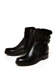 Barcelo low casual short boots