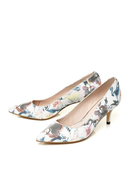 Moda in Pelle Cambria mid heel pointed court shoes