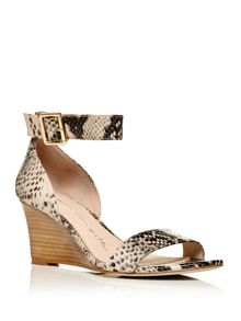Moda in Pelle Peraza low wedged sandals
