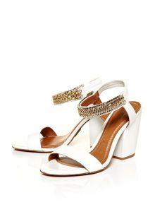 Moda in Pelle Larez block heeled sandals
