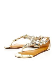 Moda in Pelle Tavera flat brazilian sandals