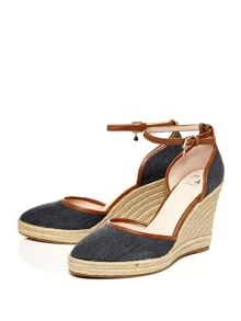 Moda in Pelle Quintas two part fabric sandals