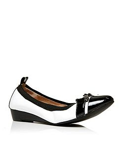 Eliseo pointed toe ballerina shoes