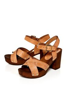 Moda in Pelle Latinas cross over clog style sandals
