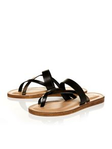 Moda in Pelle Noma flat cross over strap sandals