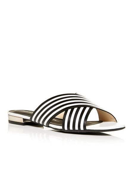 Moda in Pelle Nesee smart cross over brazilian sandals