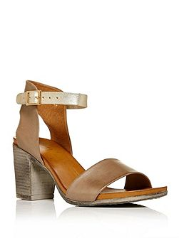 Loelle block heel sandals