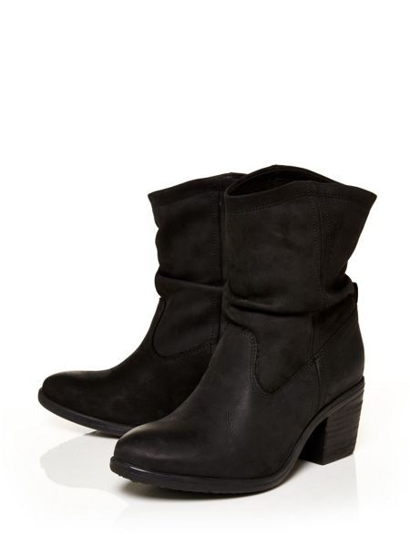 Moda in Pelle Chandley western ankle boots