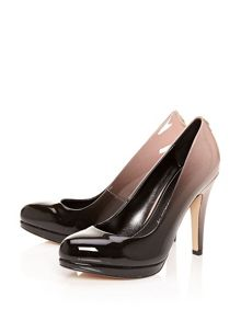 Moda in Pelle Crissie court shoes