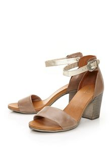 Moda in Pelle Loella sandals