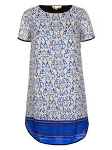 Yumi Tapestry Print Tunic Dress