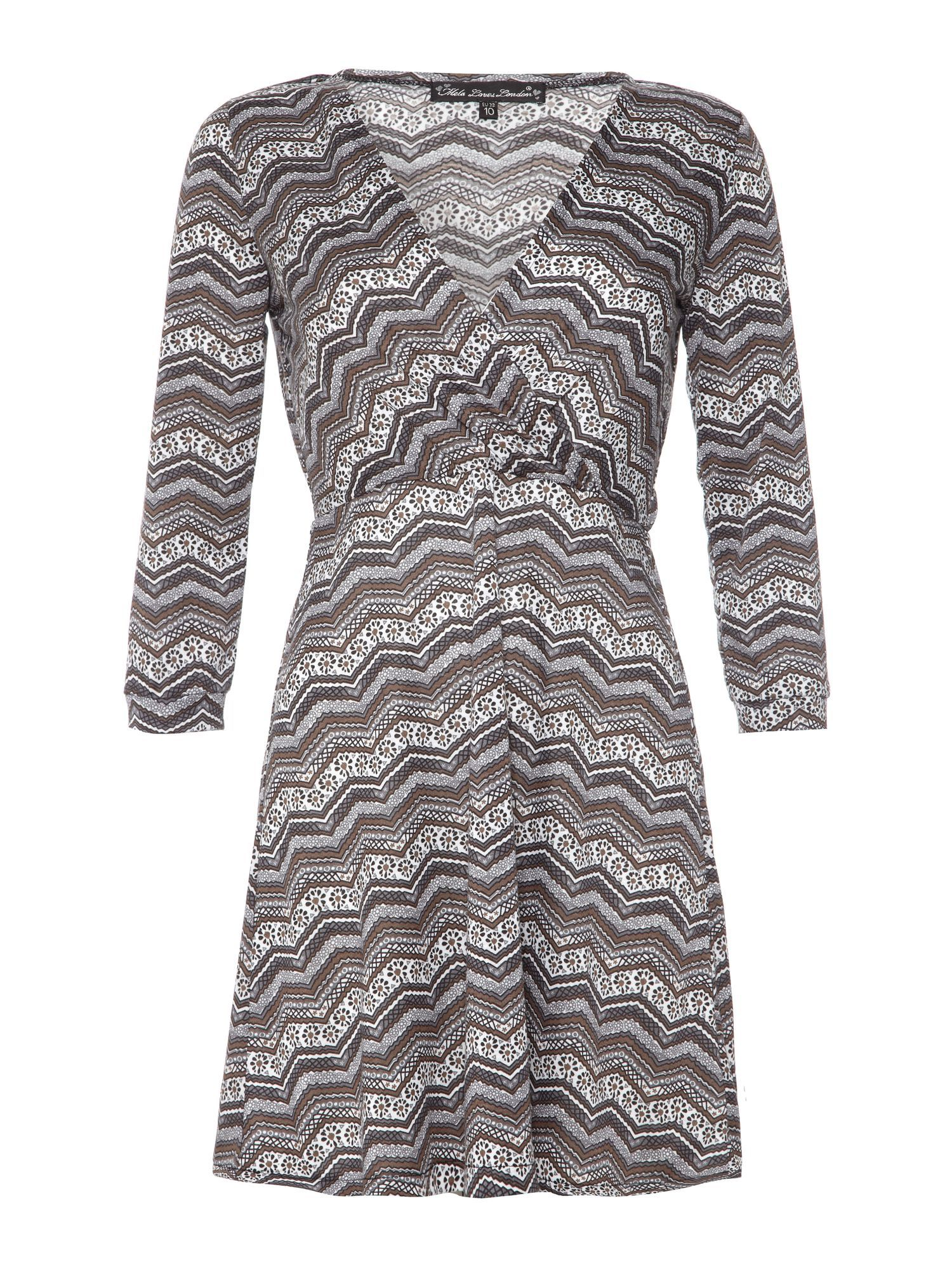 Zigzag v neck dress