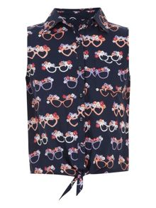 Girl`s glasses print tie shirt