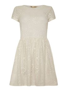 Yumi Lace Shift Dress