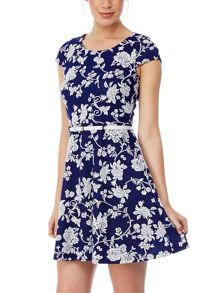 Yumi Roses Jacquard Dress