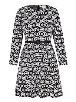 Geo Print Long Sleeve Shift Dress