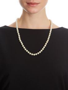 Single Row Pearl Necklace
