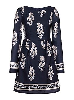 Leaf Motif Print Tunic Dress