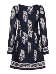 Yumi Leaf Motif Print Tunic Dress