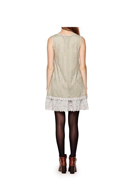 Yumi Sleeveless Dress With Floral Lace