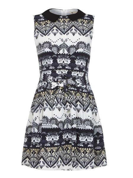 Yumi White Collared Print Dress