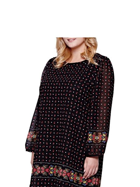 Yumi Curves Yumi Curves Shift Dress With Floral Spot Print