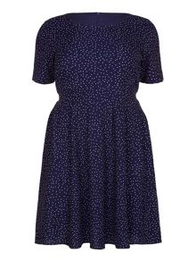Yumi Curves  Curves Short Sleeve Spotted Dress