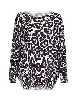 Leopard Printed Oversized Jumper