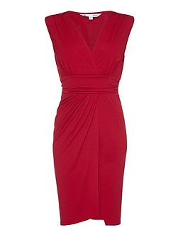 Red Sleeveless Occasion Dress