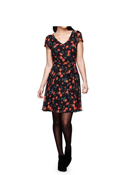 Yumi Short Sleeve Dress With Poppy Print