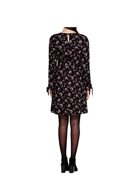 Yumi Floral Print Long Sleeve Shift Dress