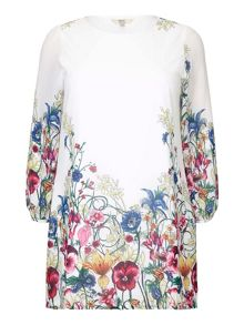 Yumi Curves Yumi Curves Floral Long Sleeve Tunic Dress