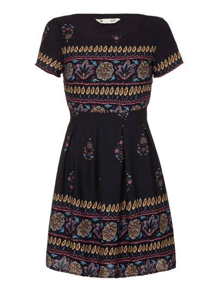 Yumi Floral Short Sleeve Day Dress