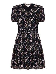 Yumi Floral Short Sleeve Dress