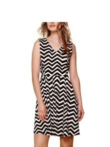 Yumi Chevron Stripe V-Neck Dress