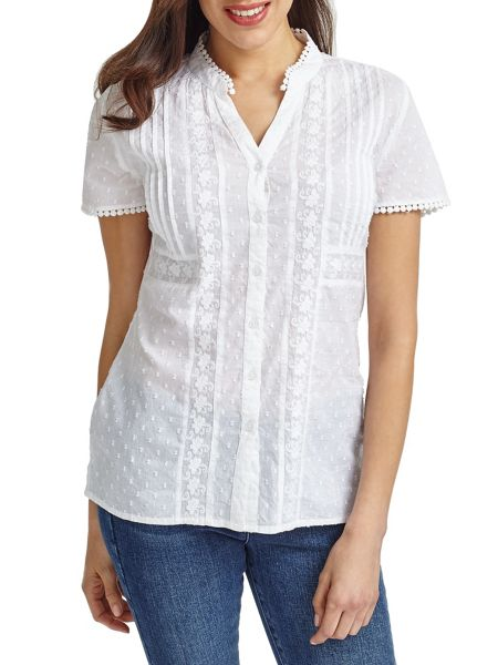 East Embroidery Dobby Blouse
