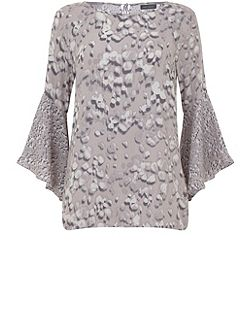 Robee Print Fluted Sleeve Top