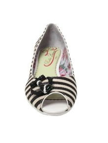 Front and center flat peep toe shoes