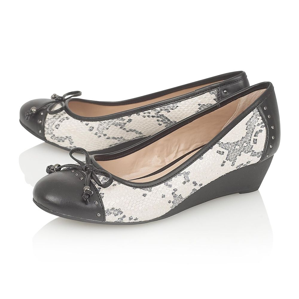 Lotus elizabeth casual shoes