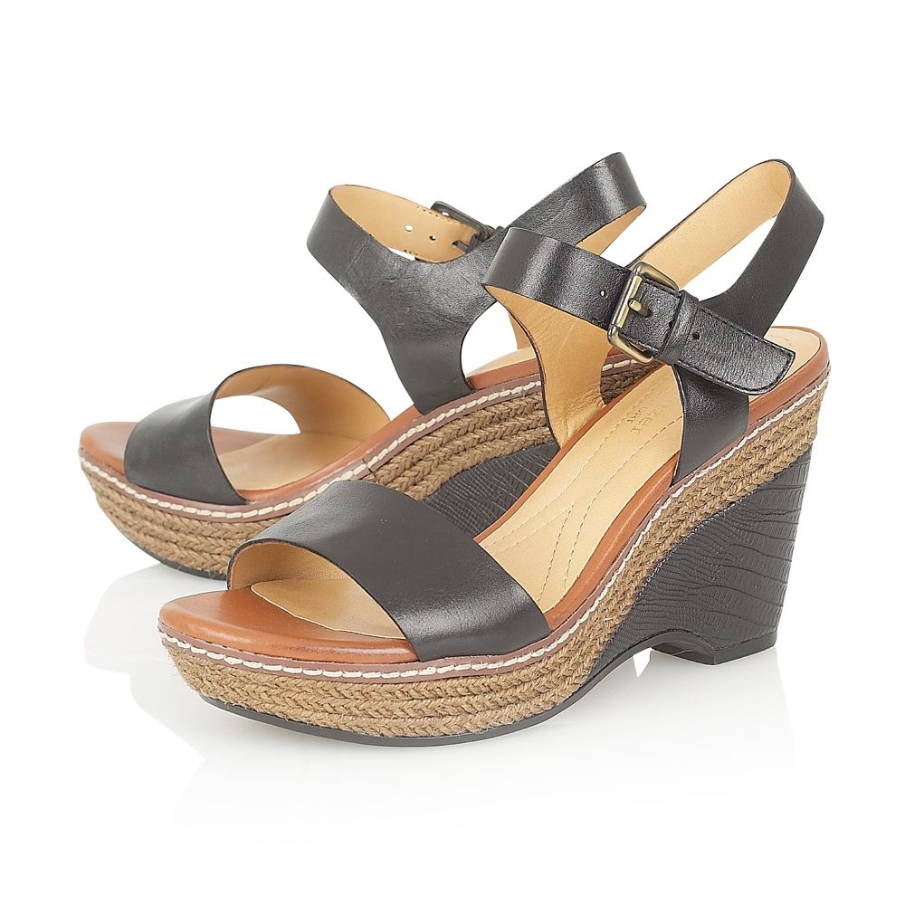 Lark Casual Sandals