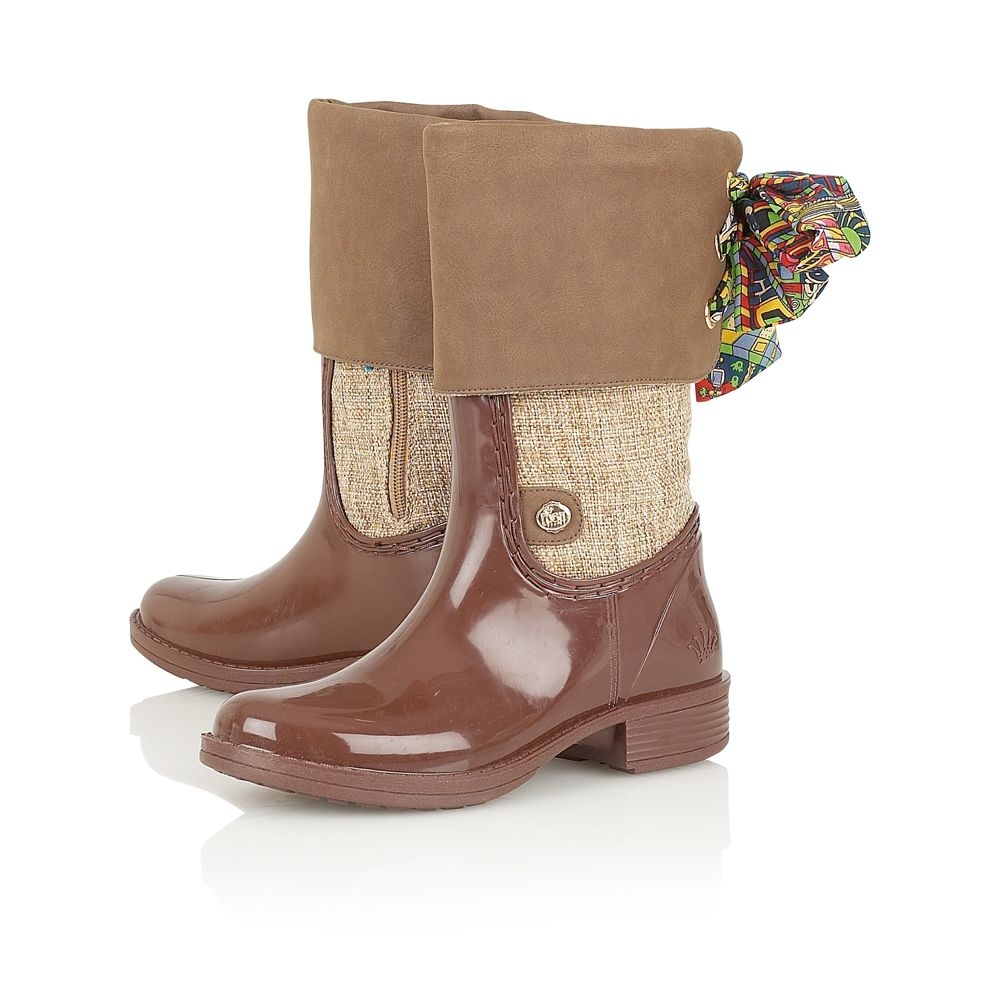 Posh owami welly boots