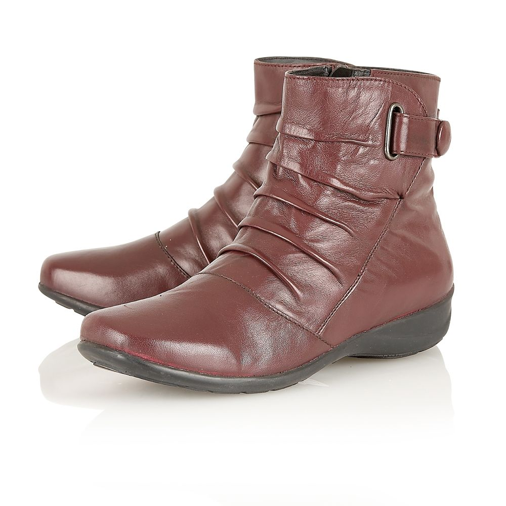 Piton ankle boots