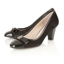 Cosmos court shoes
